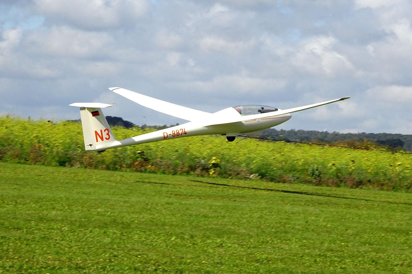 Segelflugzeug beim Abheben